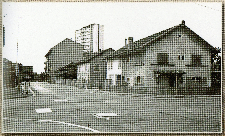 maison au carrefour Libération