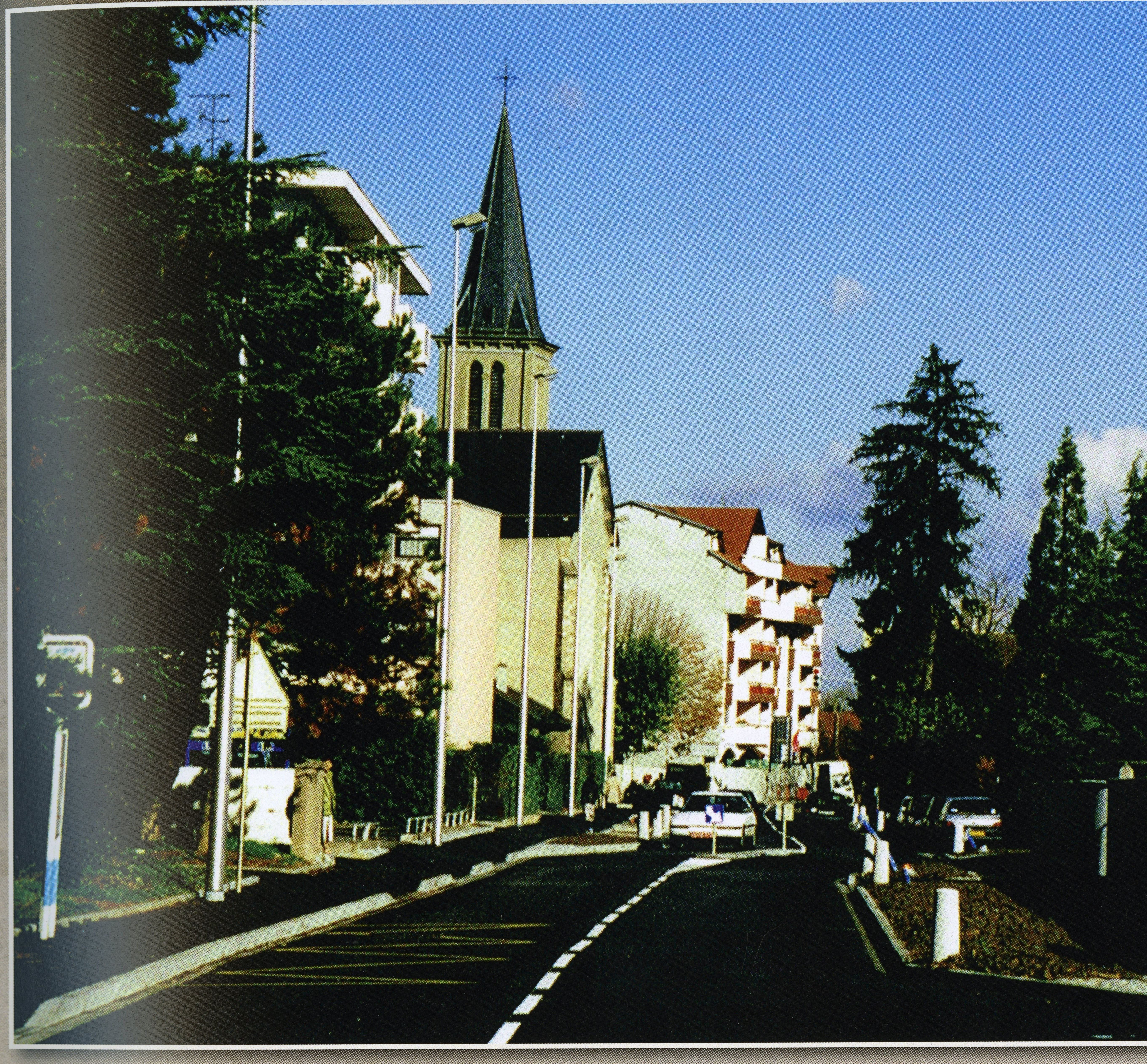 rue de la Paix et Eglise